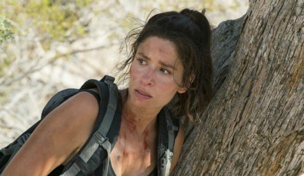 amcs-fear-the-walking-dead-season-2-finale-episode-14-wrath-ofelia-salazar-leaning-up-against-a-tree-1