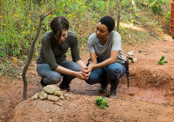 the-walking-dead-episode-705-maggie-cohan-3-935